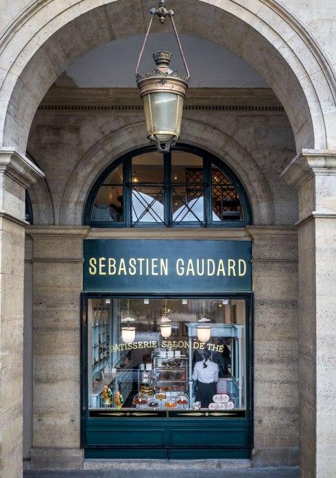 sebastien-gaudard-patisserie-des-tuileries-vitrine-d