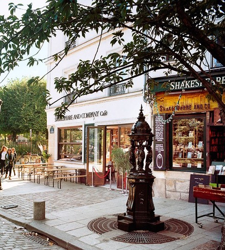 the-shakespeare-and-company-cafe-sylvia-beach-02-1